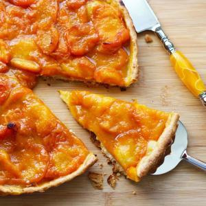 French Apricot Tart Recipe   Tarte Aux Abricots. Making French tarts is really easy to make. The crust comes together nicely in a food processor and the fresh fruit makes for a perfect dessert. This apricot tart recipe will impress your friends and feed a crowd. A perfect dessert for Bastille Day!